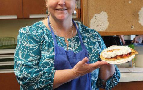 Ms. Harbaugh's class makes crêpes (December 2017)
