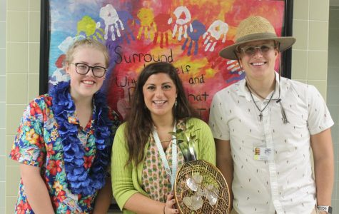 Spirit Week: Tourist Tuesday