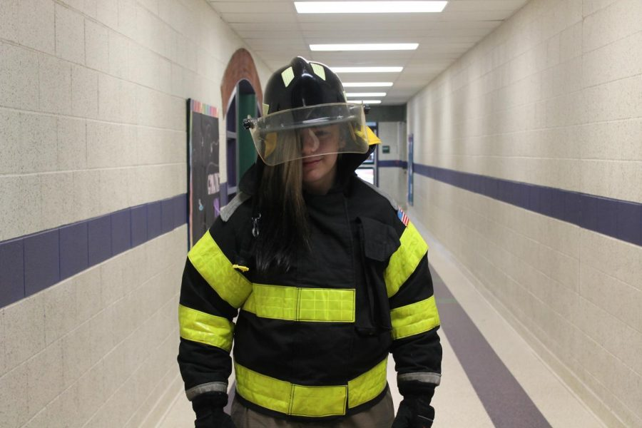 Sophomore teaches students what to do in case of a fire